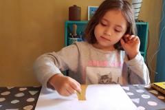 Clara tegner til Alfeline