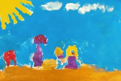 Alfeline laver Drejø by i sand. Tegnet af Caroline. Barnebarn af Poul og Mimi Jespersen